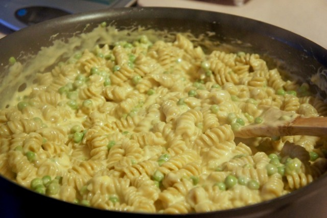 One Pan Mac And Cheese - Om Nomalicious